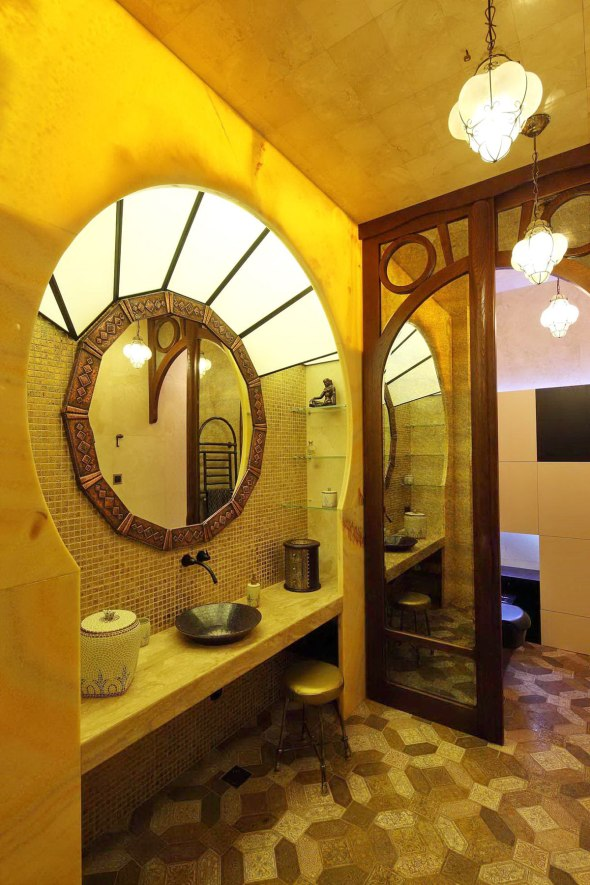 Интерьер в стиле Гауди. Ванная комната