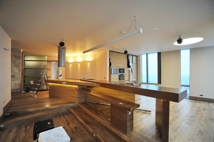 Дизайн интерьера квартиры в стиле контемпорари. Кухонный остров